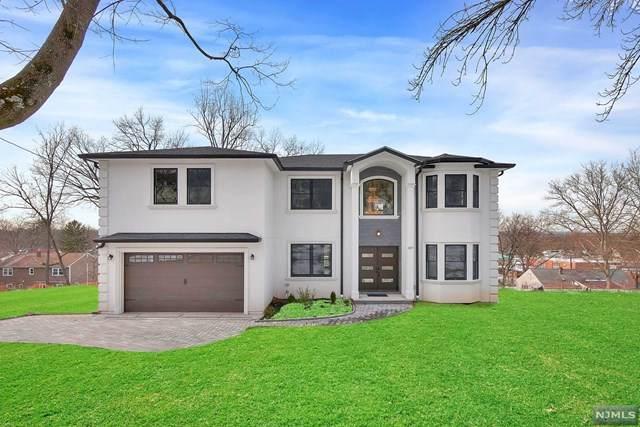 337 Maplewood Drive, Paramus, NJ 07652 (#21000828) :: NJJoe Group at Keller Williams Park Views Realty