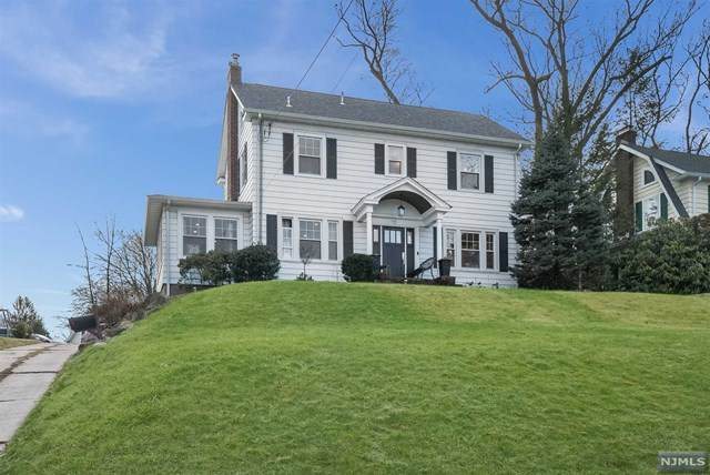10 Lee Avenue, Hawthorne, NJ 07506 (MLS #21001425) :: William Raveis Baer & McIntosh