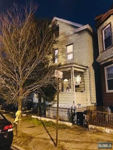 1083 E 22nd Street, Paterson, NJ 07513 (MLS #21001458) :: William Raveis Baer & McIntosh