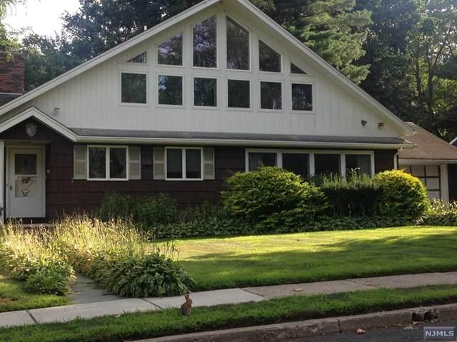 354 Janet Avenue, Paramus, NJ 07652 (#21001600) :: NJJoe Group at Keller Williams Park Views Realty
