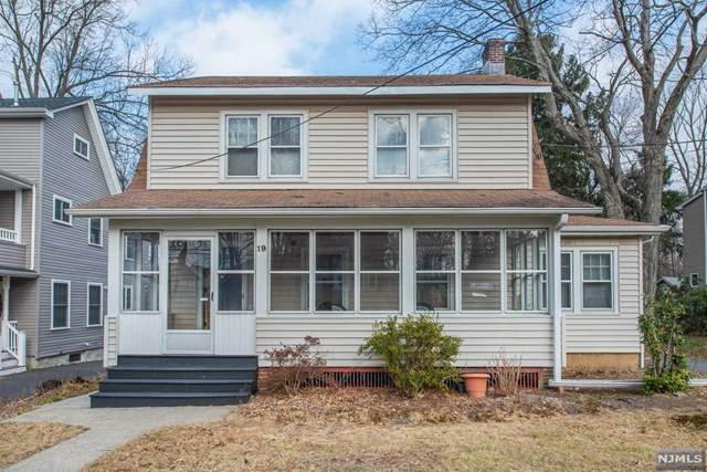 19 Whitfield Street, Caldwell, NJ 07006 (MLS #21001654) :: The Sikora Group