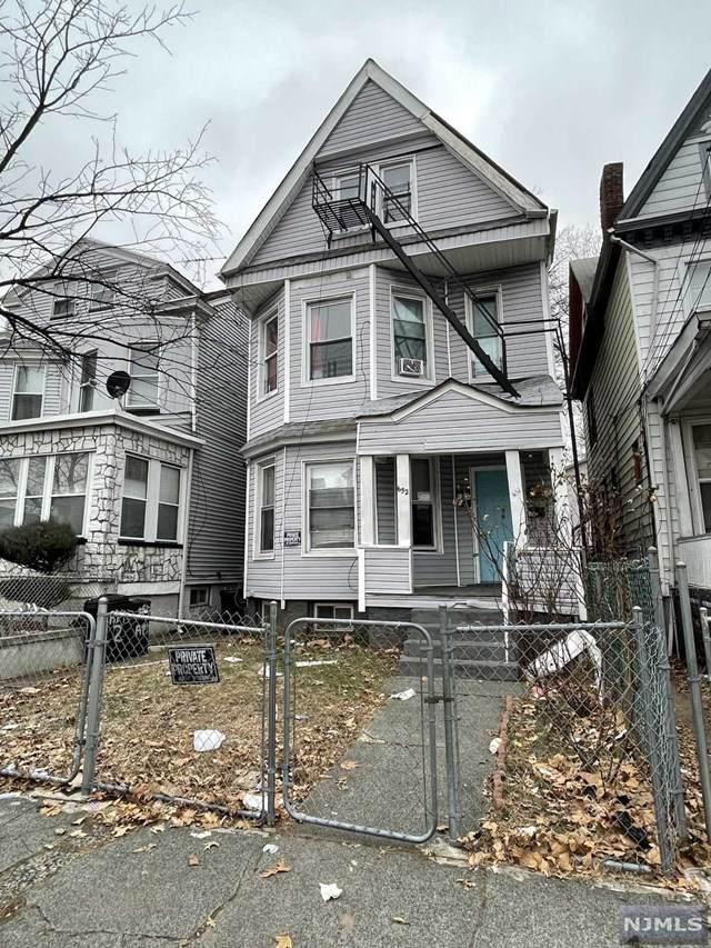 652 E 25th Street, Paterson, NJ 07504 (MLS #21001938) :: William Raveis Baer & McIntosh