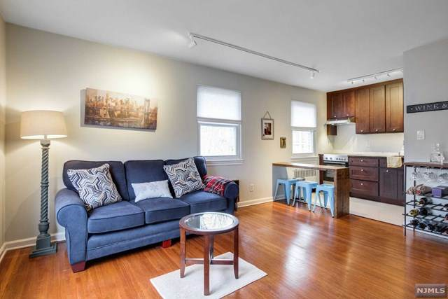 300 Wilson Road, Springfield, NJ 07081 (MLS #21002857) :: Team Francesco/Christie's International Real Estate