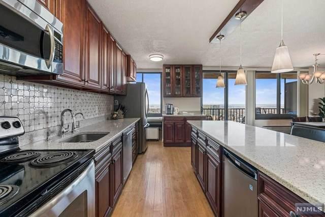 200 Winston Drive #2301, Cliffside Park, NJ 07010 (MLS #21002911) :: William Raveis Baer & McIntosh
