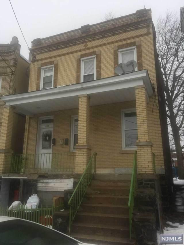 235 Oakdene Avenue - Photo 1