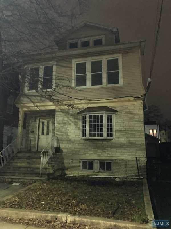 381 Leslie Street - Photo 1