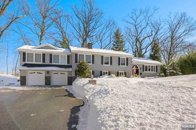 899 Manhattan Avenue, Twp Of Washington, NJ 07676 (MLS #21004704) :: The Sikora Group