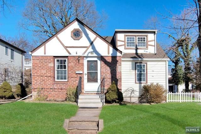41 Glenview Terrace, Cresskill, NJ 07626 (MLS #21005202) :: The Sikora Group