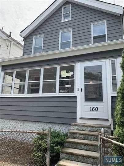 160 Pierson Street - Photo 1
