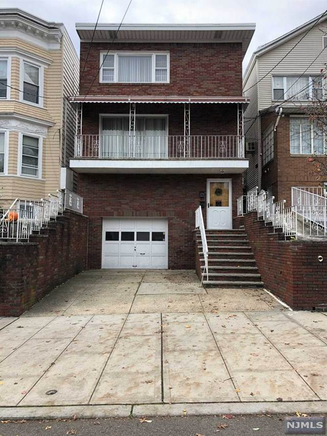613 18th Street - Photo 1