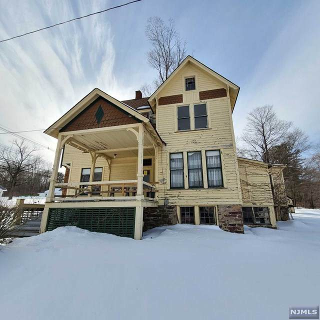 1121 Weldon Road, Jefferson Township, NJ 07438 (MLS #21005624) :: Kiliszek Real Estate Experts