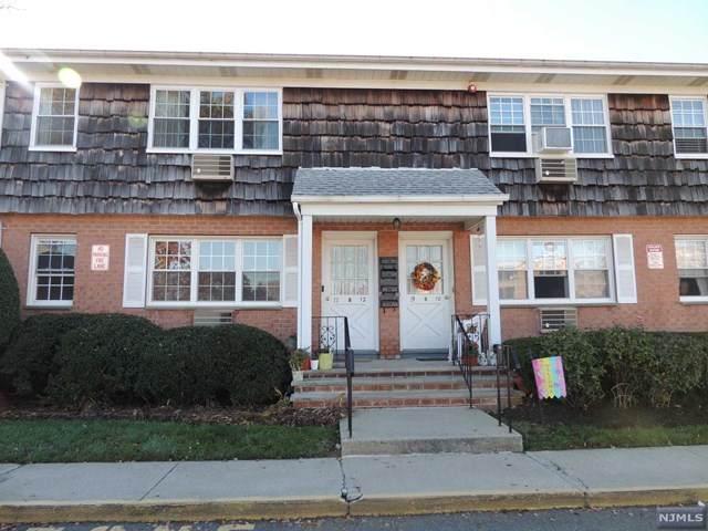 250 Rochelle Avenue - Photo 1