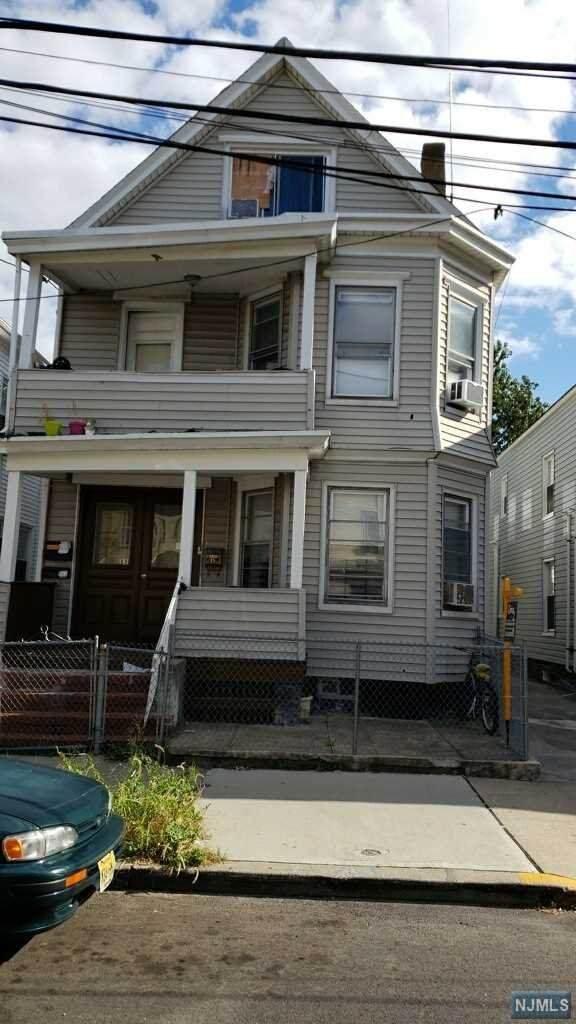 15 Rosz Place, Passaic, NJ 07055 (MLS #21005999) :: William Raveis Baer & McIntosh