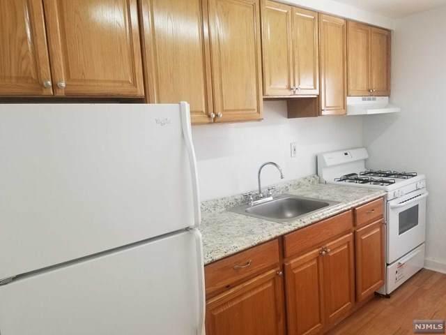 55 W Homestead Avenue 1A, Palisades Park, NJ 07650 (MLS #21006207) :: William Raveis Baer & McIntosh