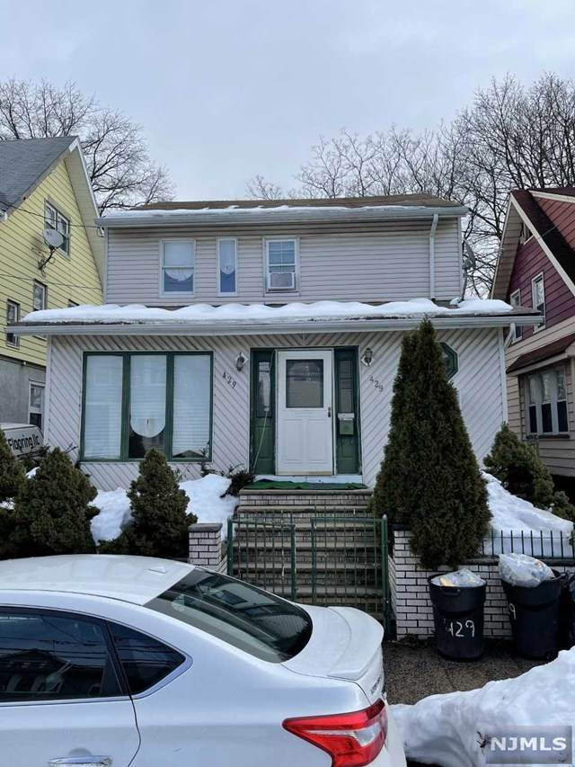 429-431 E 32nd Street, Paterson, NJ 07504 (MLS #21006281) :: William Raveis Baer & McIntosh