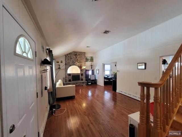 11 Chestnut Street, Cresskill, NJ 07626 (MLS #21006313) :: The Sikora Group
