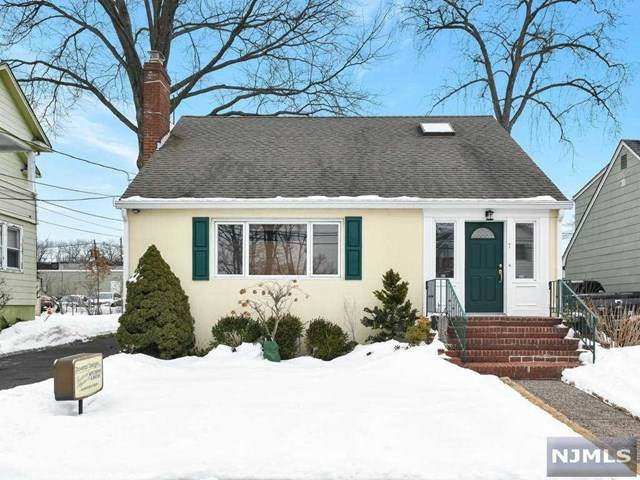 7 Irving Place, Bergenfield, NJ 07621 (MLS #21006497) :: The Sikora Group