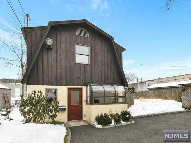 7 Irving Place, Bergenfield, NJ 07621 (MLS #21006499) :: The Sikora Group