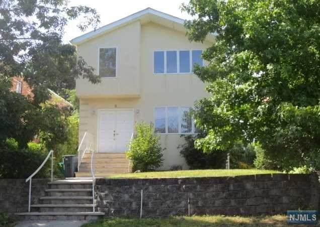5 2nd Street, Englewood Cliffs, NJ 07632 (MLS #21006577) :: The Sikora Group