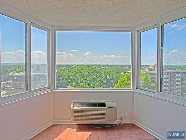 326 Prospect Avenue 10K, Hackensack, NJ 07601 (MLS #21006741) :: Team Braconi | Christie's International Real Estate | Northern New Jersey