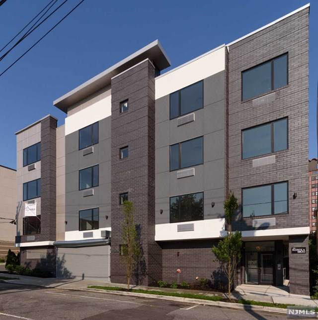 5800 Washington Street - Photo 1