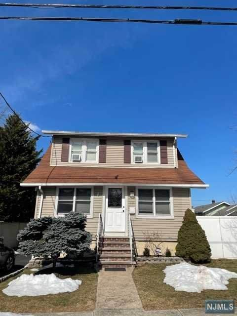 73 Levitt Avenue, Bergenfield, NJ 07621 (MLS #21006877) :: The Sikora Group