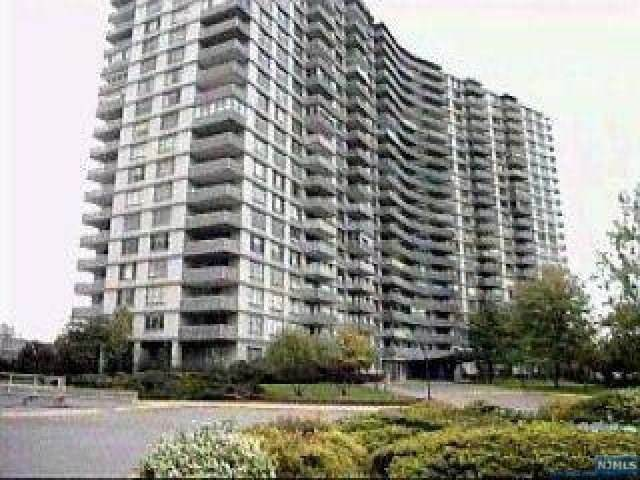 2100 Linwood Avenue 18E, Fort Lee, NJ 07024 (MLS #21007450) :: Team Francesco/Christie's International Real Estate