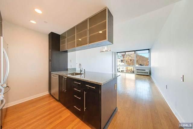 511 Hudson Park, Edgewater, NJ 07020 (MLS #21007690) :: Team Francesco/Christie's International Real Estate