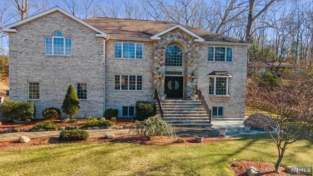 202 Peterson Place, Ramsey, NJ 07446 (MLS #21007751) :: The Sikora Group
