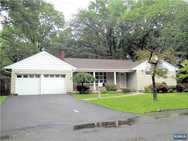 365 Pleasant Lane, Haworth, NJ 07641 (MLS #21007894) :: Kiliszek Real Estate Experts