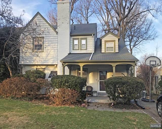 1096 Emerson Avenue, Teaneck, NJ 07666 (MLS #21008067) :: The Sikora Group