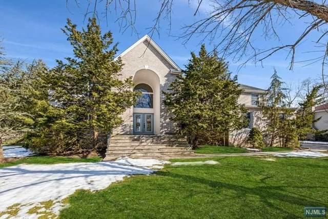38 Flint Terrace, Harrington Park, NJ 07640 (MLS #21008334) :: Kiliszek Real Estate Experts