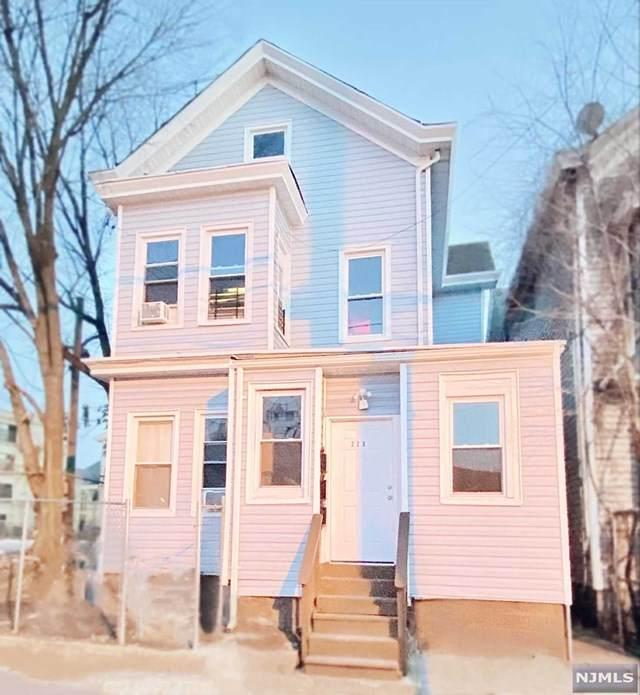 228 Hamilton Avenue - Photo 1