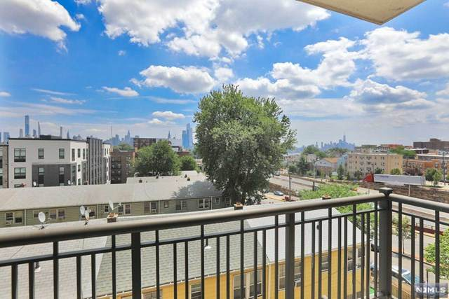 3312 Hudson Avenue - Photo 1