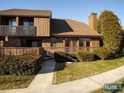 115 Kingsberry Drive, Franklin, NJ 08873 (MLS #21009116) :: Provident Legacy Real Estate Services, LLC