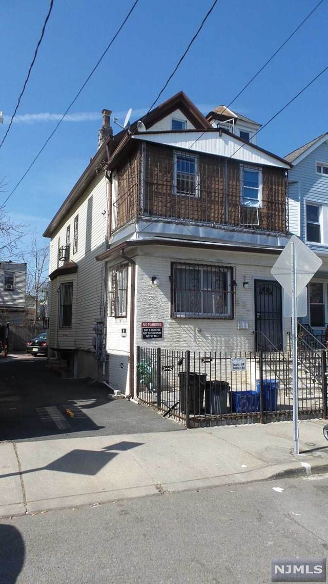 297 Arlington Avenue, Jersey City, NJ 07304 (MLS #21009875) :: Provident Legacy Real Estate Services, LLC