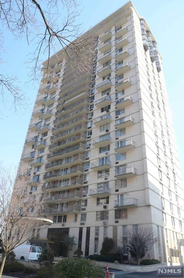 160 Overlook Avenue - Photo 1