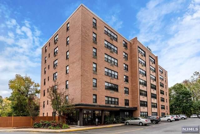 2348 Linwood Avenue - Photo 1