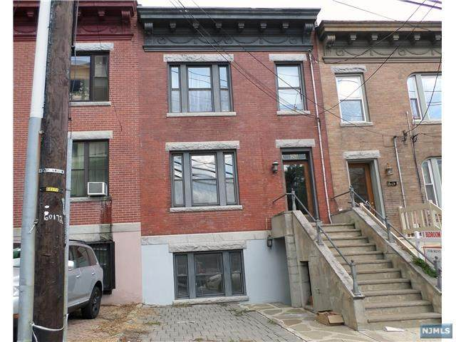 23 Russell Avenue - Photo 1
