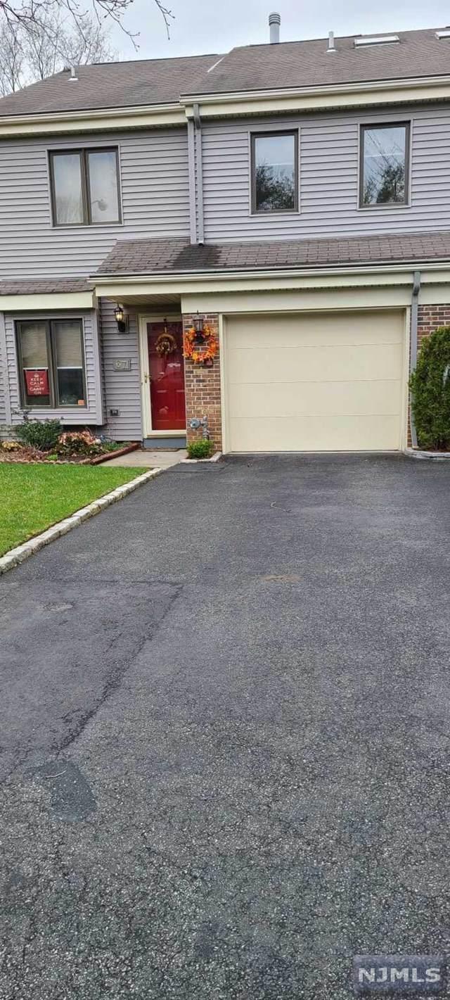 67 Chelsea Court, Saddle Brook, NJ 07663 (MLS #21011468) :: Provident Legacy Real Estate Services, LLC