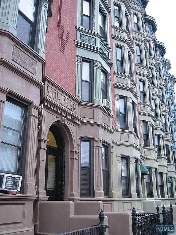 809 Washington Street - Photo 1