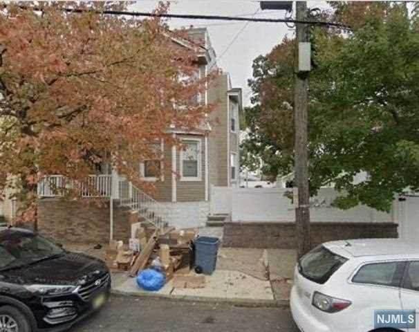 304 Chestnut Street - Photo 1