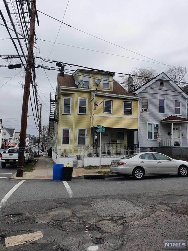 140 Albion Avenue - Photo 1