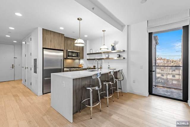 160 1st Street #415, Jersey City, NJ 07302 (MLS #21012979) :: RE/MAX RoNIN