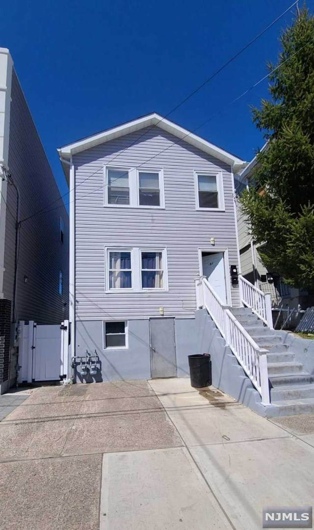 189 12th Avenue - Photo 1