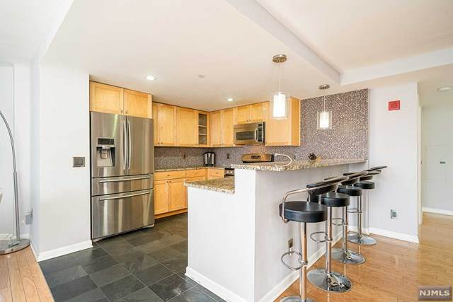 700 Grove Street 7F, Jersey City, NJ 07310 (MLS #21013088) :: The Sikora Group