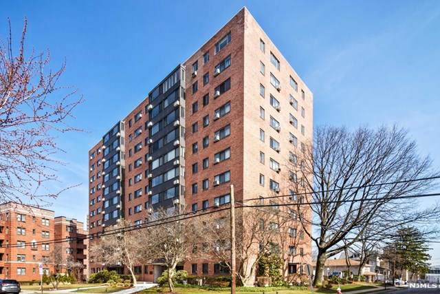 90 Prospect Avenue 11A&B, Hackensack, NJ 07601 (MLS #21013096) :: Team Braconi | Christie's International Real Estate | Northern New Jersey