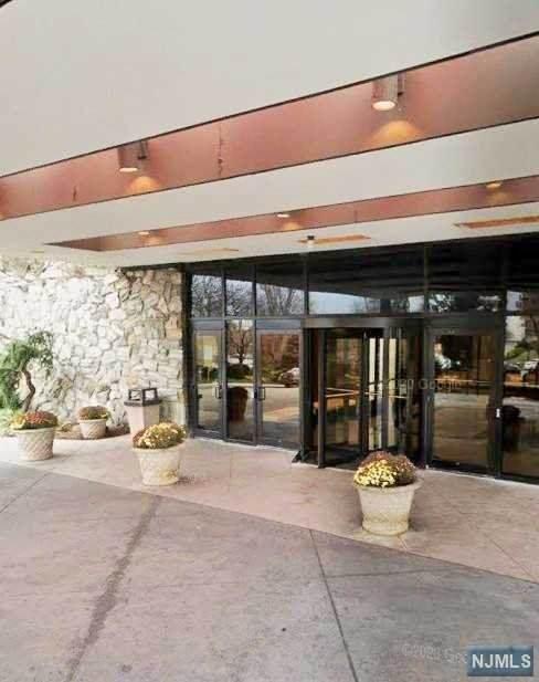 2 Claridge Drive 6AW, Verona, NJ 07044 (MLS #21013120) :: Team Braconi | Christie's International Real Estate | Northern New Jersey