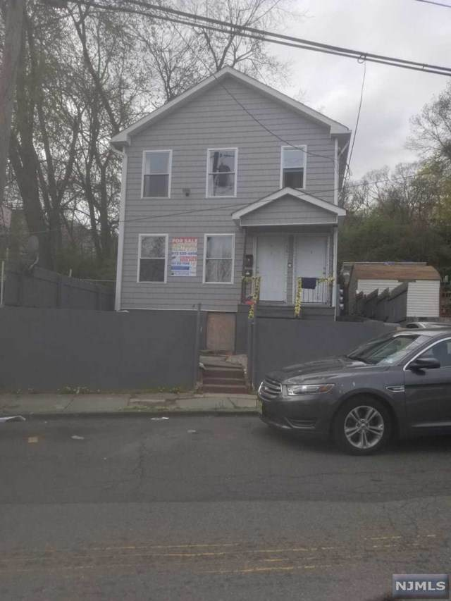 19 Cliff Street, Paterson, NJ 07522 (MLS #21013141) :: Provident Legacy Real Estate Services, LLC