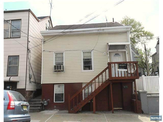 52 Bloomfield Avenue - Photo 1